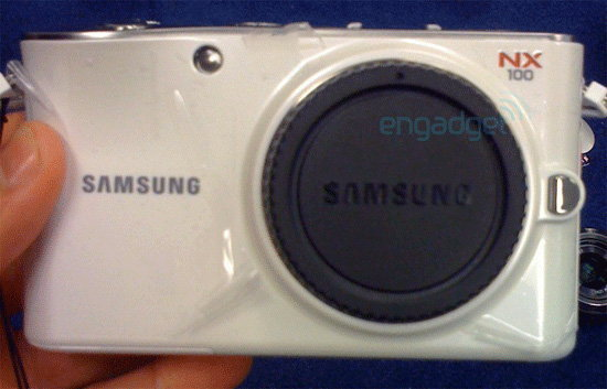 นักโพสต์มือดีเผยภาพลับพิเศษกล้อง Samsung NX100