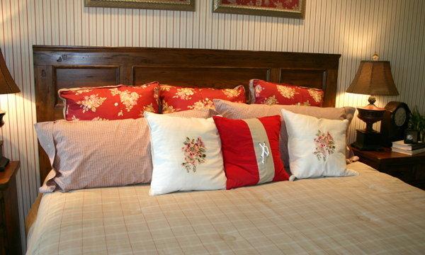 """บนเตียงนอนควรมี """"หมอน"""" กี่ใบ ถึงจะดี"""