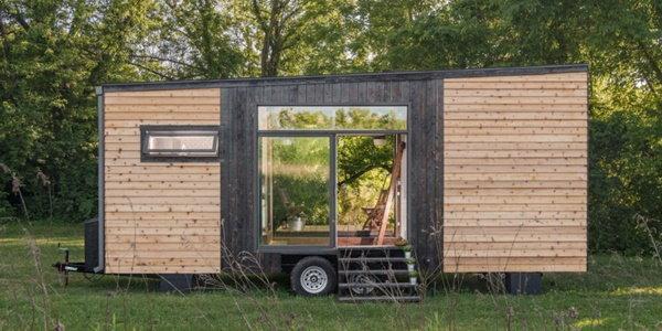 ไอเดียการสร้างบ้านเล็กๆ จากรถตู้คอนเทนเนอร์ ใกล้ชิดธรรมชาติ