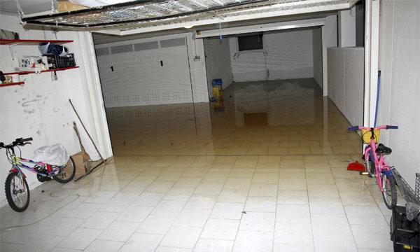 อยู่ในบ้านอย่างไรให้ปลอดภัยเมื่อน้ำท่วมฉับพลัน