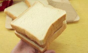 เคล็ดลับทำขนมปังแข็งให้กลับมานุ่ม น่าทาน