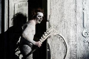 ท้าทดลองผู้กล้า จัดบ้านผีสิงให้ผีอยู่!