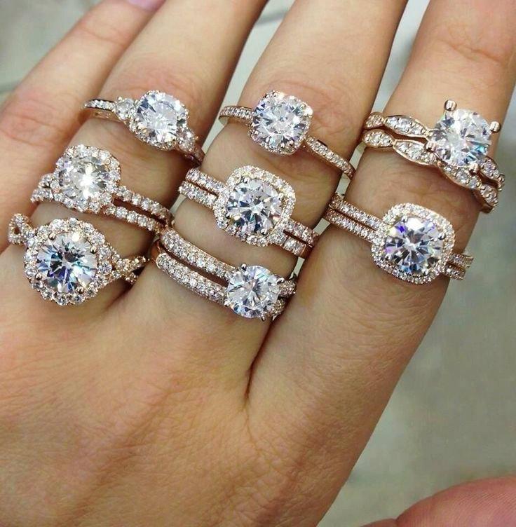 เกร็ดความรู้เรื่องการสวมแหวนอย่างไร ให้ชีวิตเฮงๆ Cr. Sanook.com