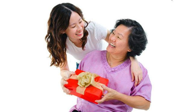 เลือกของขวัญให้คุณแม่ตามธาตุเกิด