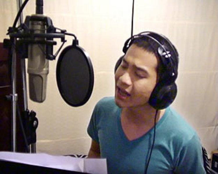 คิว ฟลัวร์ ร้องเพลงประกอบซีรีย์