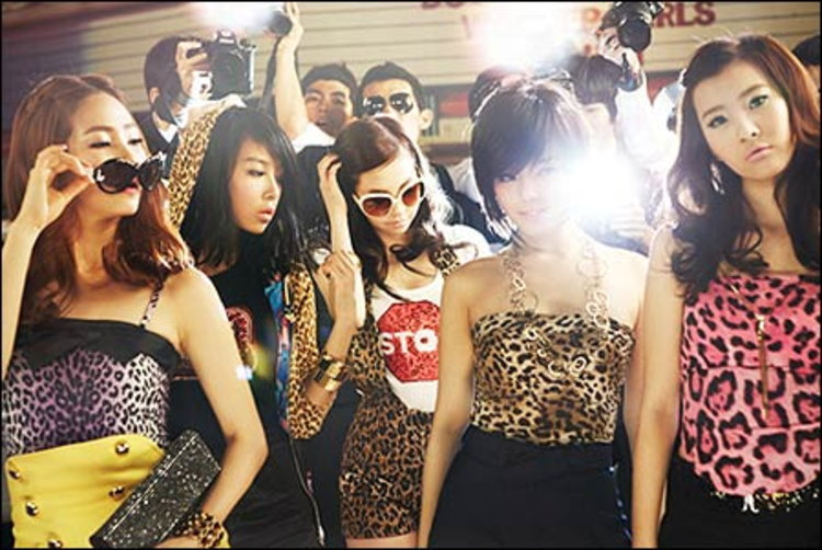 Wonder Girls กรี๊ด !!ถูกกล่าวหา ก๊อปเพลงชาวบ้าน ทั้ง So Hot และ Tell Me