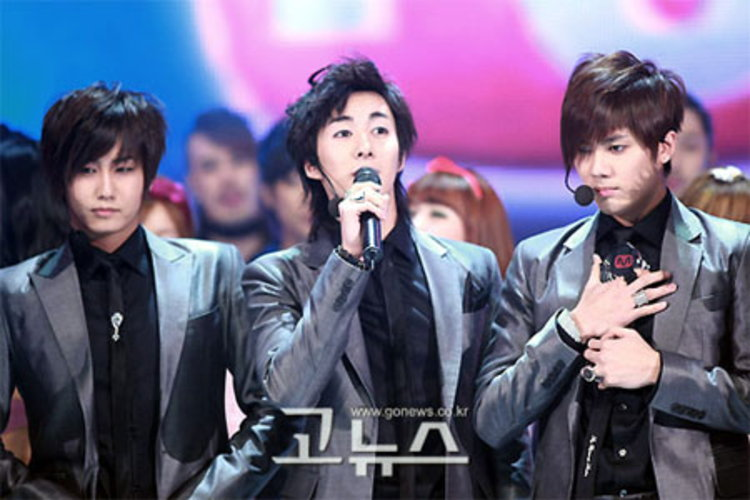 SS501 คว้าชัยอันดับ1 รายการ Mnet M!Countdown