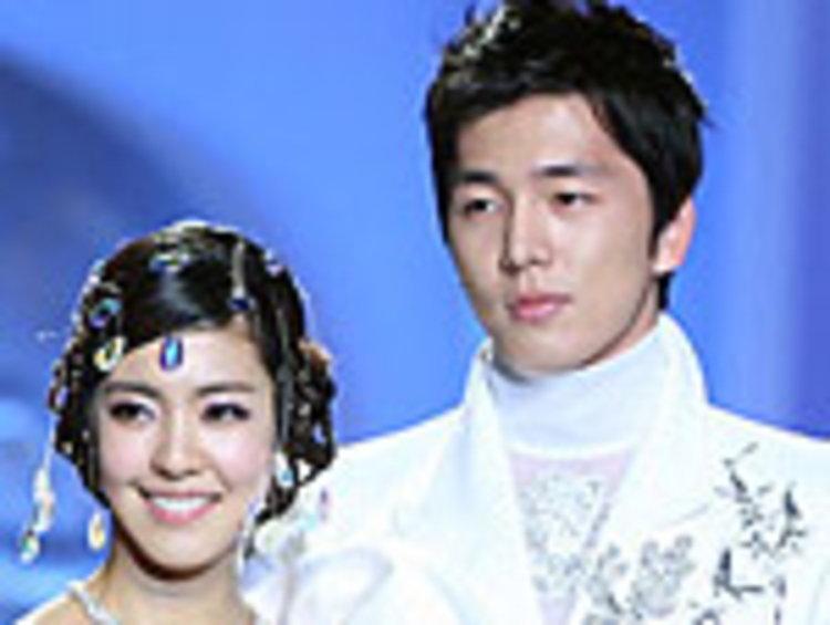 นิชคุณ แห่ง 2PM และ ซึลอง แห่ง 2AM เตรียมถอดภาพนักร้องสวมชุดนายแบบลงรันเวย์