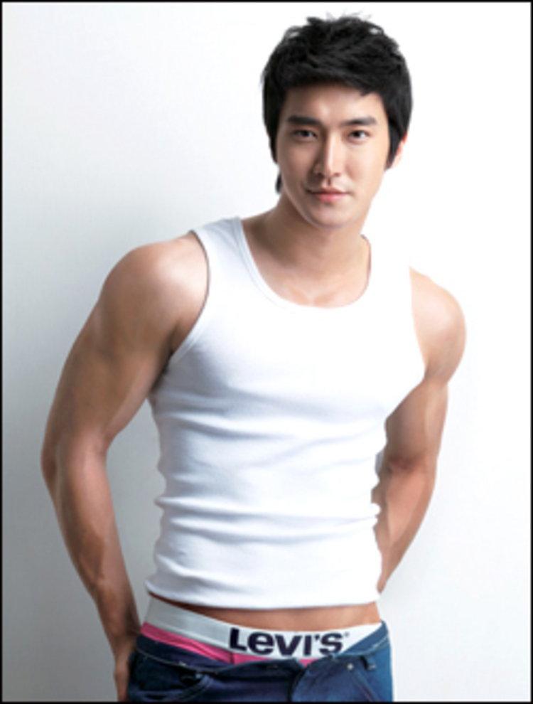 ชีวอน ลูกผู้ชายตัวจริง ช่วยชีวิต อนยู - SHINee !!