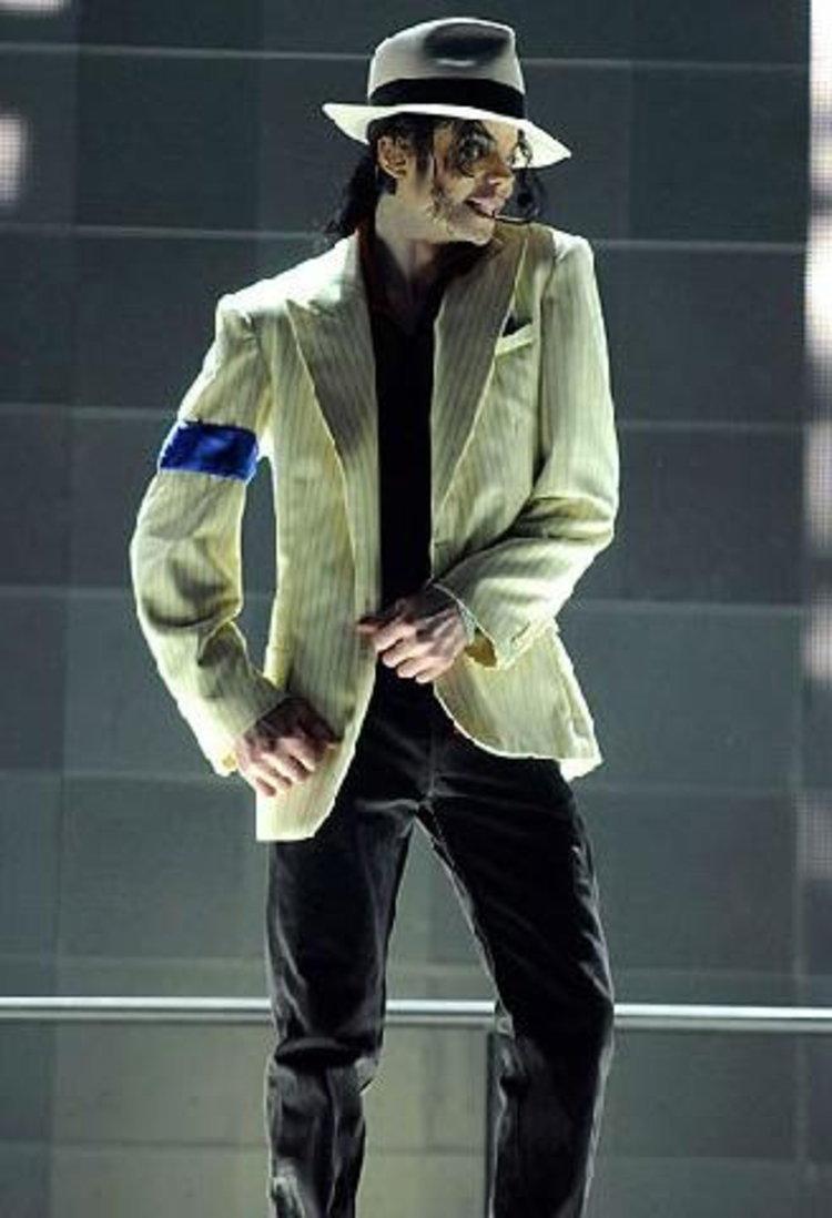 ภาพสุดท้าย ไมเคิล แจ็คสัน  ราชาเพลงป็อป ระหว่างซ้อมคอนเสิร์ต วาดลีลาอย่างลืมเหนื่อย