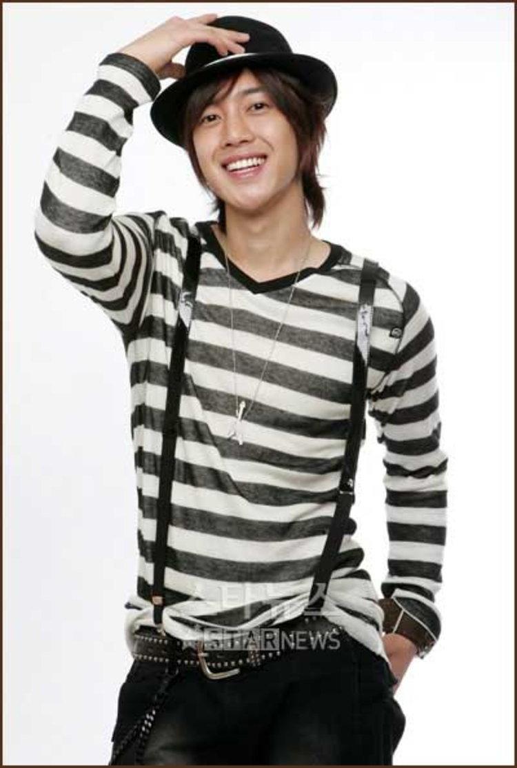คิมฮยอนจุง (SS501) หายจากไข้หวัดใหญ่ 2009 เดินทางกลับเกาหลีวันนี้