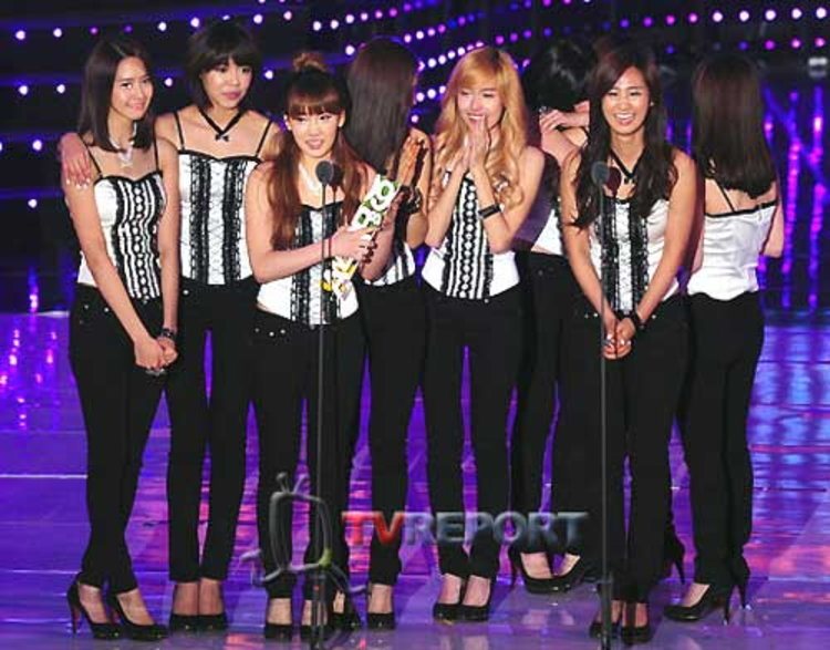 SM-YG-JYP-DSP ทัพศิลปินร่วมเดินพรมแดง 2009 Melon Music Awards ครั้งที่ 1