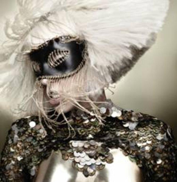 เลดี้ กาก้า…ทุบสถิติอีกครั้งกับ  Bad Romance