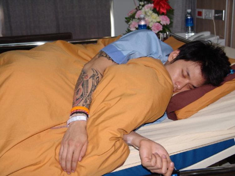 แท็ค ภรัณยู ป่วยหนัก อาหารเป็นพิษเฉียบพลัน