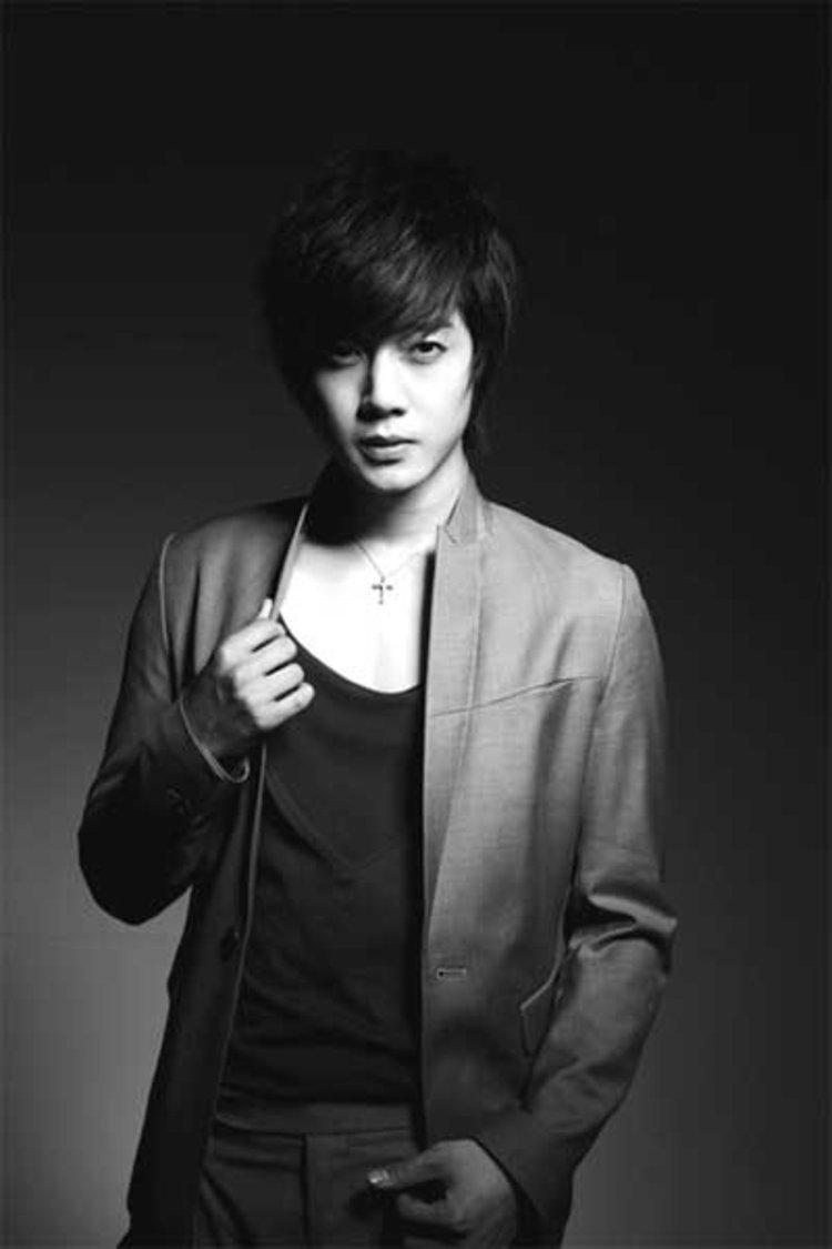 คิมฮยอนจุง (Kim Hyun Joong) เปิดจองมินิอัลบั้ม ก่อนเปิดโชว์เคส