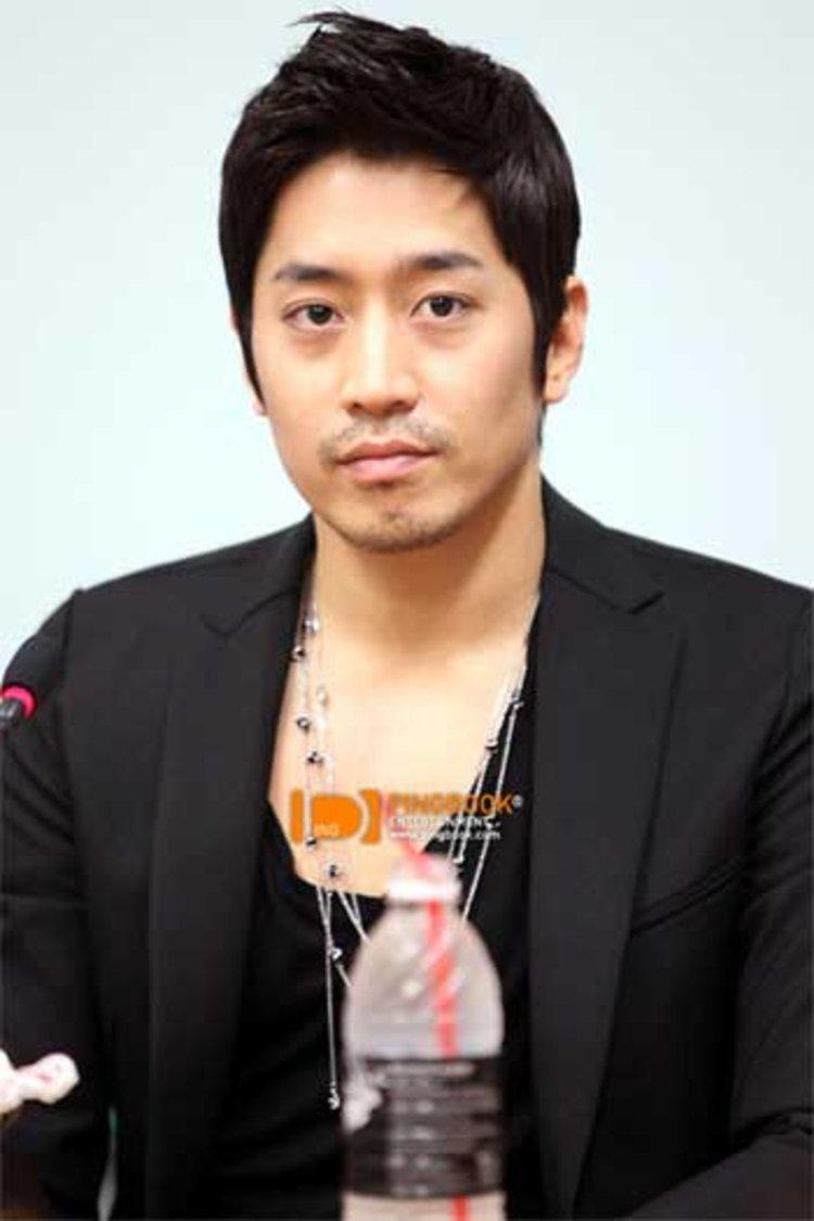 บทสัมภาษณ์พิเศษ เอริคมุน (Eric Mun) เยือนไทยร่วมงาน 2011 Eric Fanmeeting