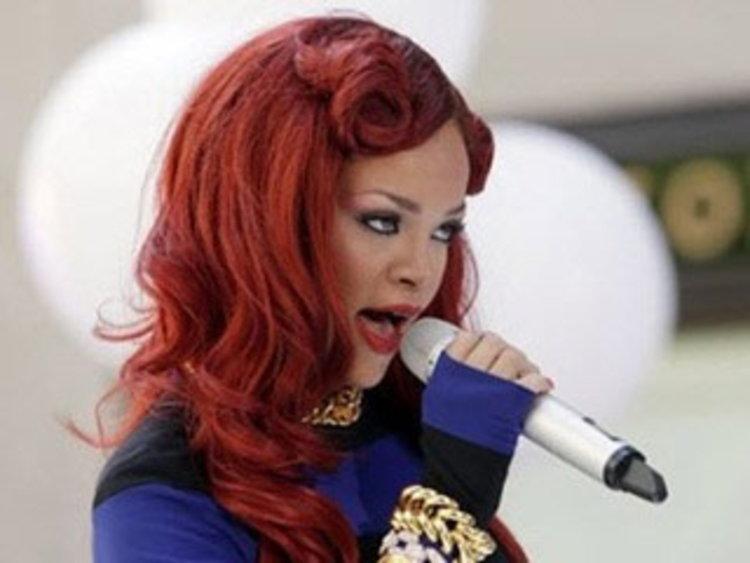 ตำหนิ MV ของ Rihanna ส่งเสริมของรุนแรง
