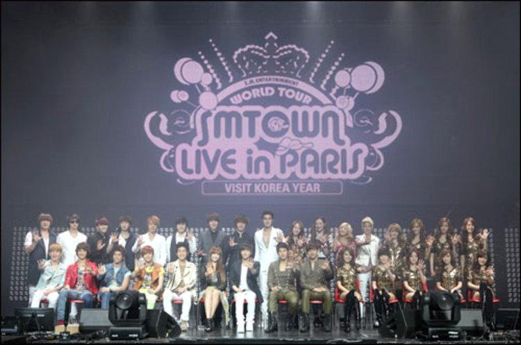 ศิลปิน SM ปิดฉากคอนเสิร์ต SMTOWN LIVE in PARIS ด้วยความสำเร็จ