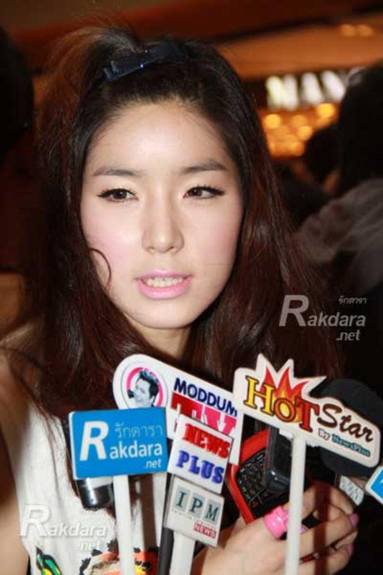 จียอน รับเซอร์ไพรส์วันเกิด เซน ฐานะเพื่อน ลั่นยังโสด