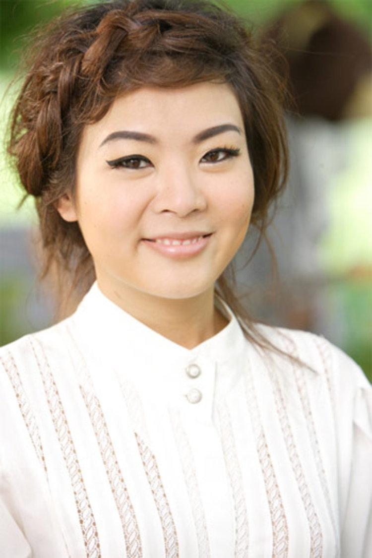 นักร้องสาววินเทจ ลุลา ชวนช้อปปิ้งต้อนรับปีใหม่!!