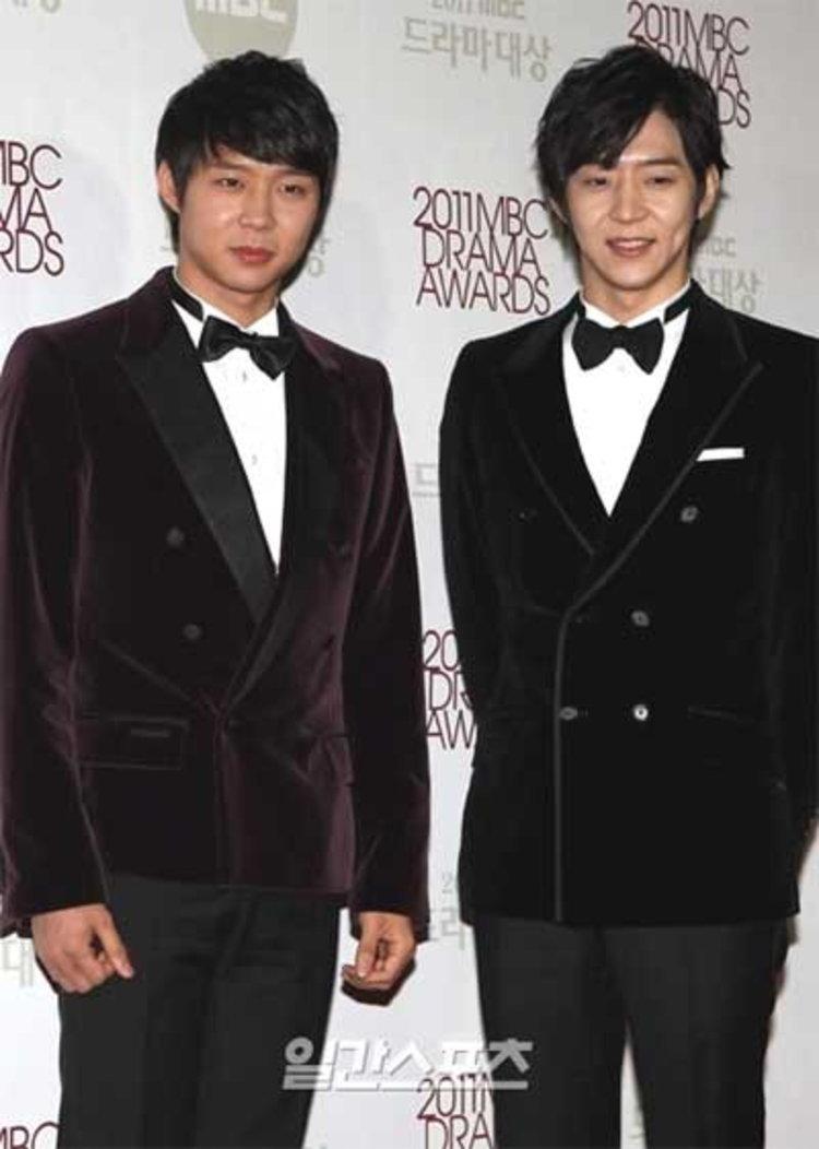 สุดเศร้า!! พ่อของ พัคยูชอน(JYJ) และ พัคยูฮวาน เสียชีวิตเมื่อเช้านี้
