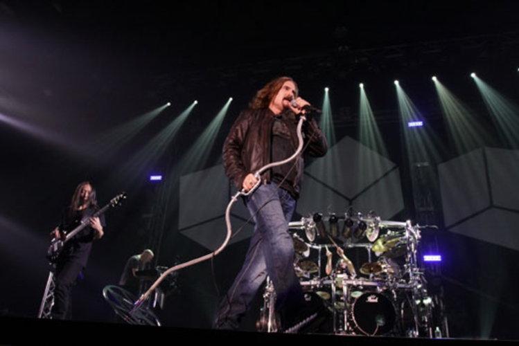 Dream Theater มันช่างอลังการ ตอกย้ำความยิ่งใหญ่!!