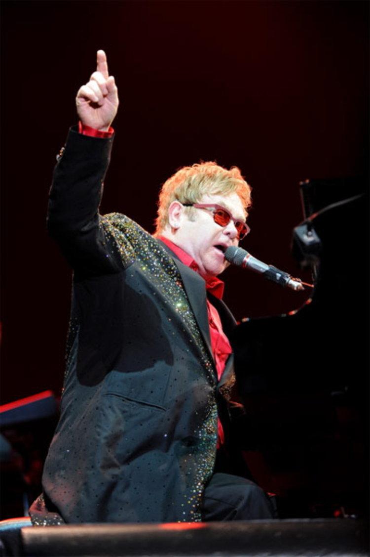 ส่งท้ายปี 2012 กับคอนเสิร์ต เอลตัน จอห์น งดงามและตราตรึง