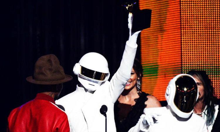Daft Punk กวาด 4 รางวัลควบอัลบั้มยอดเยี่ยมแห่งปี แกรมมี่ อวอร์ดส์ 2014