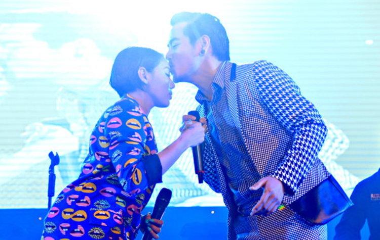 เล่นใหญ่มาก! อ๊อฟ-ดา จัดเต็ม Like & Share Concert ครั้งที่ 4