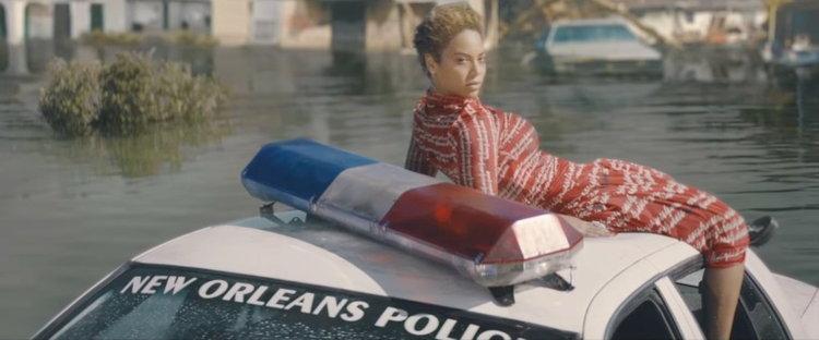 """ดราม่าไหม? Beyoncé ปลุกระดมชาวผิวสีลุกฮือในเอ็มวี """"Formation"""" หรือเปล่า"""