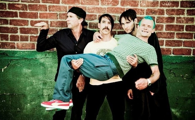 """กลับมาแล้ว! Red Hot Chili Peppers กับซิงเกิลใหม่ """"Dark Necessities"""""""