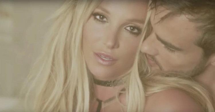 """ผู้จัดการ Britney Spears เผย ทำไมต้องถ่ายเอ็มวี """"Make Me…"""" ใหม่"""