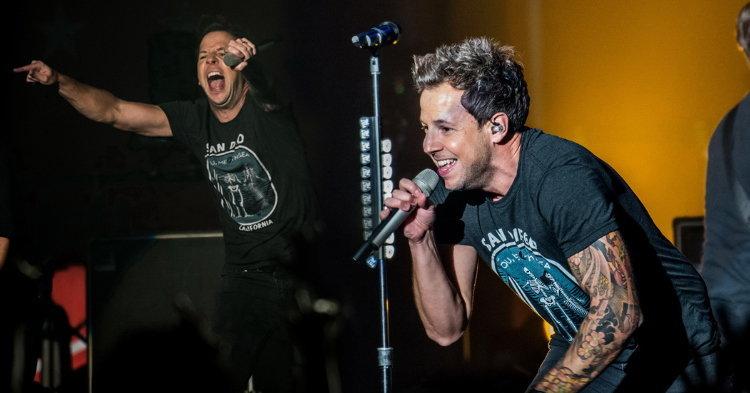 """""""Simple Plan"""" กับคอนเสิร์ตครั้งที่ 3 ในเมืองไทยมันส์สุดพลัง!!"""