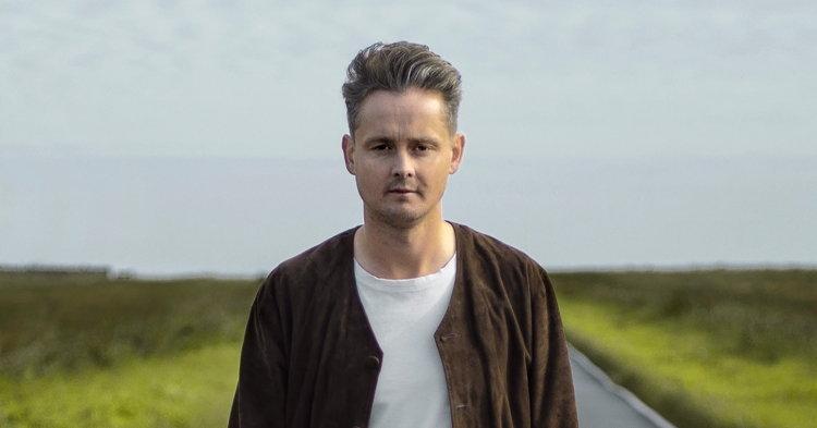 "Tom Chaplin อดีตนักร้องนำ Keane ลุยเดี่ยวพร้อมซิงเกิ้ลแรก ""Hardened Heart"""