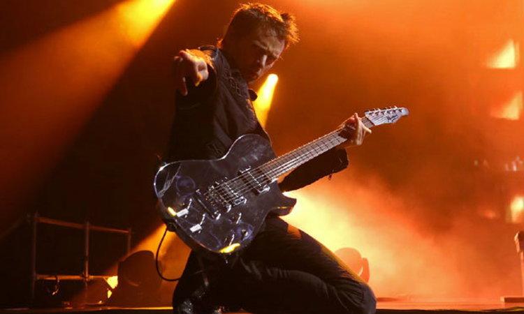Muse โชว์ฝีมือการแสดงสดขั้นเทพ!! มันส์ทะลุทุกโสตประสาท!!