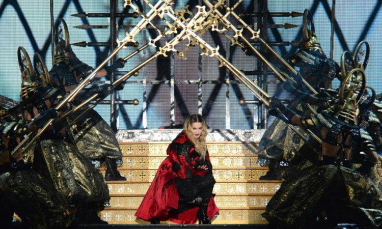 มาดอนน่า เตรียมสร้างประวัติศาสตร์แสดงสดครั้งแรกของเธอในไทย!