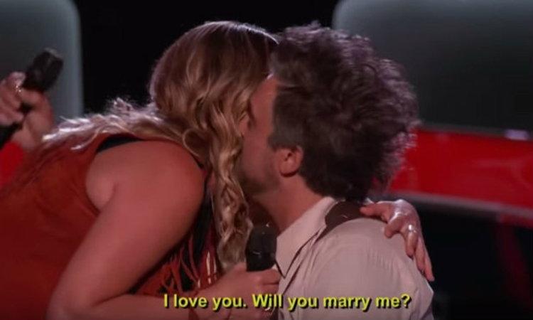 น่ารักสุดๆ คู่รักนักร้องดูโอ้ ขอแฟนแต่งงานหลังแสดง Blind audition The Voice US