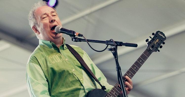 Pete Shelley นักร้องนำวงพังก์ร็อค Buzzcocks เสียชีวิตในวัย 63 ปี