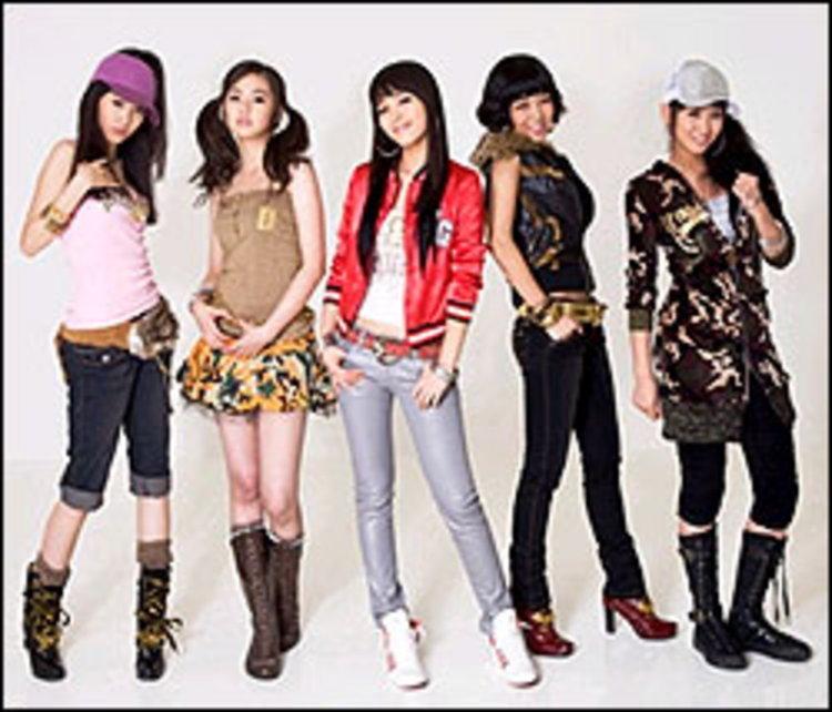 """ห้าสาว """"วันเดอร์ เกิร์ลส์"""" มอบเพลงพิเศษโปรโมทกองทัพเกาหลี"""