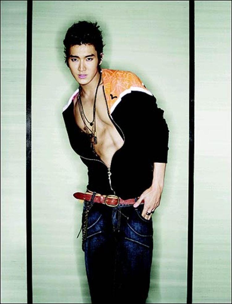 ชอย ซี-วอน เปลี่ยนไป! ลุคส์ใหม่สีชมพูแปร๋น!