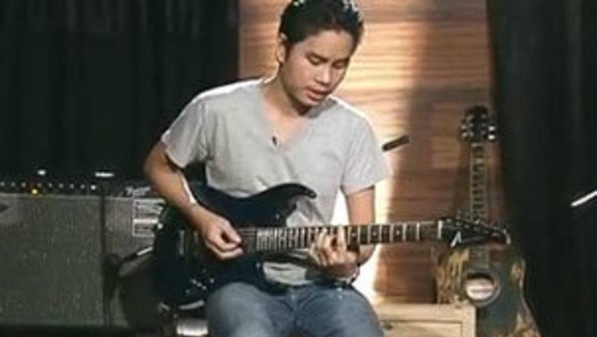 Tips : เล่นเพลง Blues ขั้นพื้นฐาน กับ แชมป์ Crescendo