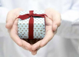 กลเม็ดซื้อของขวัญแบบประหยัดคนให้ ถูกใจคนรับ