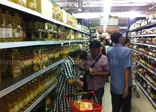 ห้างฝั่งธนบุรีสินค้าไม่ขาดแคลน-ฟู้ดคอร์ทแพง