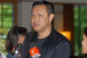 เนวิน ยอมเปิดปากพูดการเมืองในรอบ5ปี! วอน แม้ว สั่งเสื้อแดงหยุดป่วนเมือง