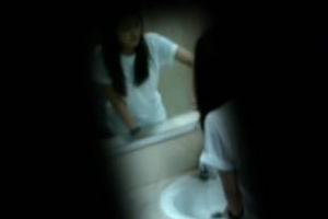 เร่งล่าโรคจิตแอบถ่ายคลิปสาวในห้องน้ำปั้มน้ำมัน