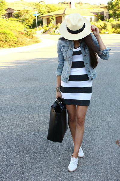 ชุดเดรสลายขวางสีขาวดำ
