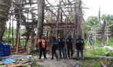 ยึดบ้านทรงไทยกลางป่าชายเลน ใช้ไม้หวงห้ามราคาแพงก่อสร้าง จนท.เผยมูลค่ากว่า 3 ล้าน