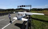 เครื่องบินเล็กลงจอดฉุกเฉินบนทางหลวงโครเอเชีย แลนดิ้งอย่างสวยงาม-ไร้ผู้บาดเจ็บ