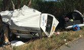 โชเฟอร์รถตู้หลับใน-เหมาชาวกัมพูชาเต็มคันรถพุ่งอัดต้นไม้ ตายคาที่ 2 ศพ