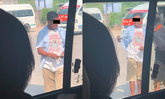 นศ.สาว สุดงง! จู่ๆ เจอพนักงานเรียกคนขึ้นรถตู้โดยสารด่าทอ-ตบหัว
